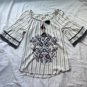 Knox Rose White Blue Bell Sleeve Size Small